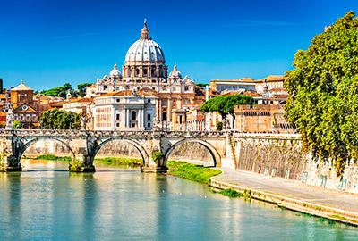 Ansicht Tiber mit Petersdom in Rom